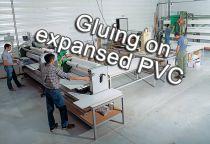 Collage sur PVC expansé